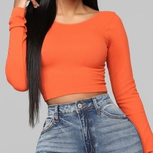 ✨ 3 FOR $25 ✨ Orange crop top